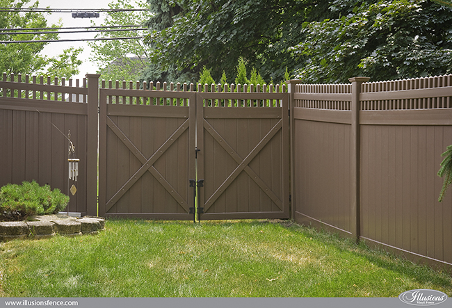 brown-vinyl-pvc-privacy-fence-illusions-650-3
